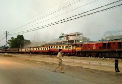 ที่ปากท่อ ราชบุรี รถไฟชนกัน บาดเจ็บกว่า 30 ราย ปิดเส้นทางสายใต้ชั่วคราว